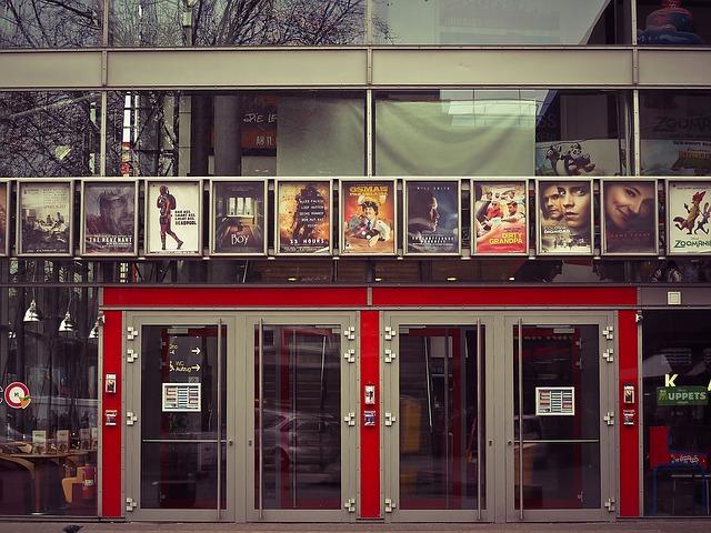 vstupní dveře, kino, sklo
