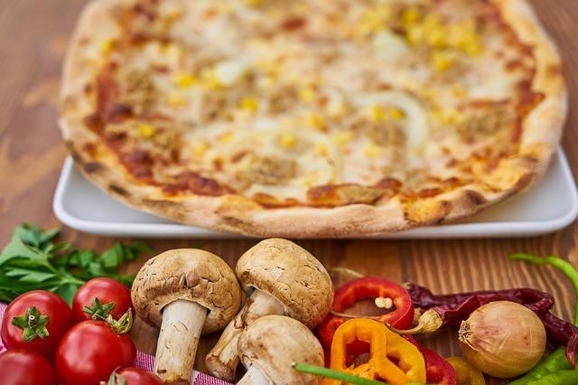 pizza s houbami