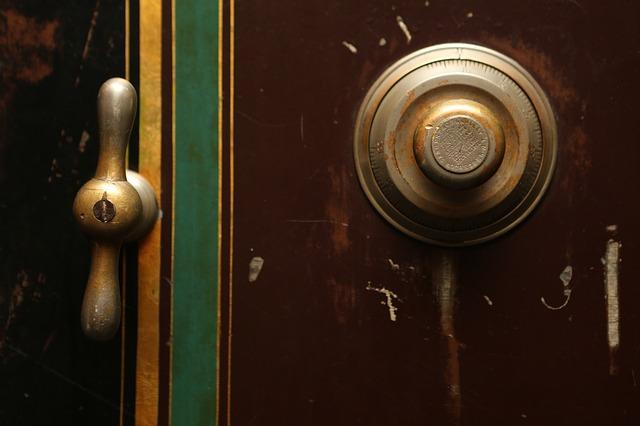zvonek u dveří.jpg
