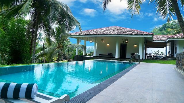 Bazén v luxusní rezidenci