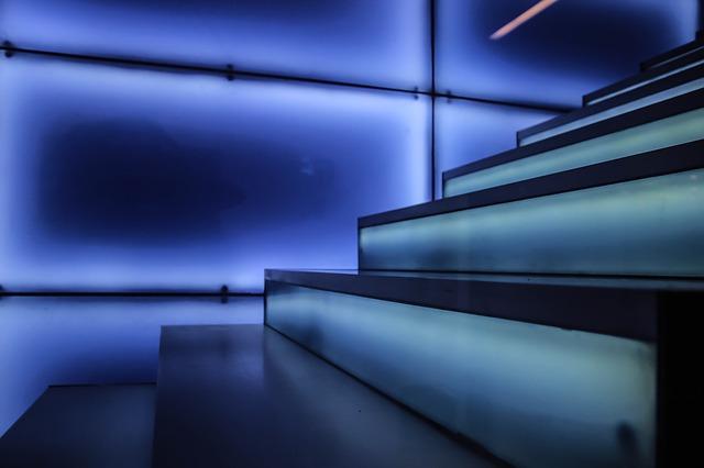 Futuristicky řešené schodiště
