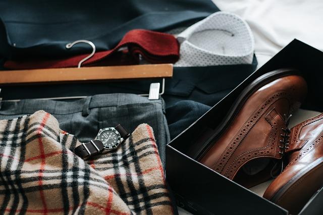 textil a boty v krabici
