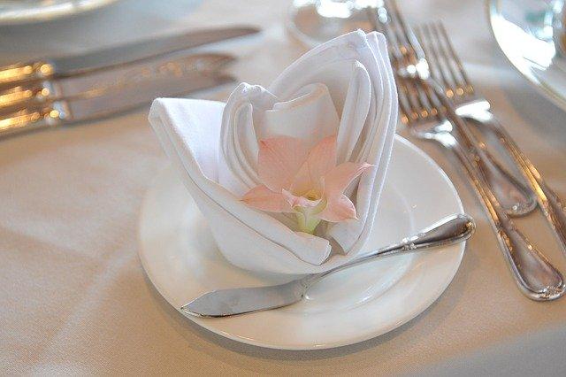 hostina – dekorace na talíři