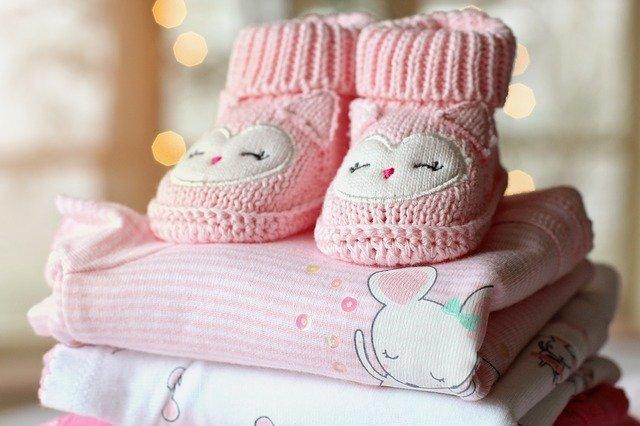 botičky a oblečení pro miminko